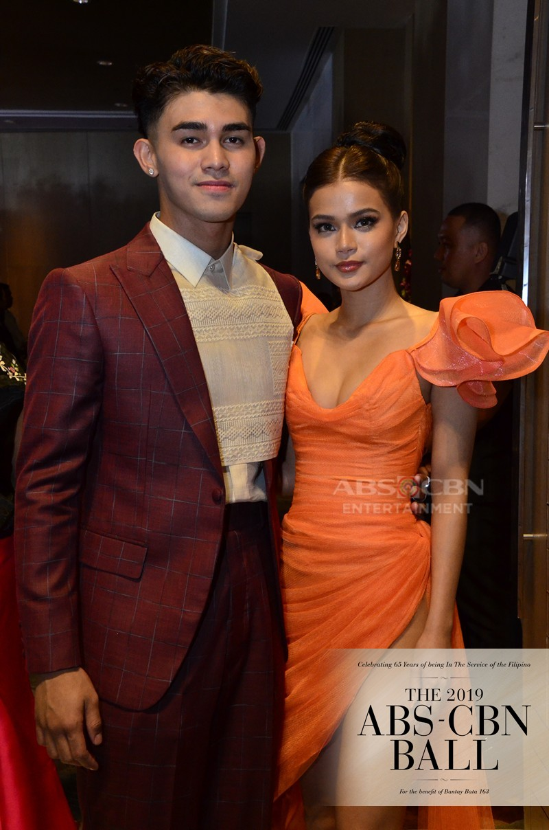ABS-CBN Ball 2019: Pamilya Ko cast turns the Red Carpet into a stunning family affair